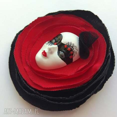 Samantha - broszka z kolekcji masquerade - xlviii, maska kwiat, róża, wecenka, elegancka