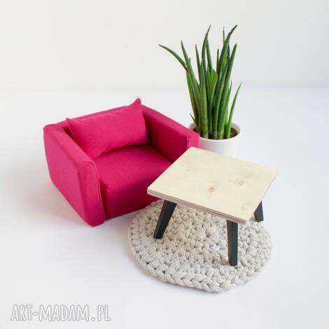 fotel miękki dla lalek, fotel dla lalek, mebelki domek
