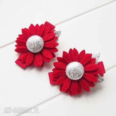 spinki do włosów kwiatki czerwono srebrne na święta, ozdoby, naświęta, filc