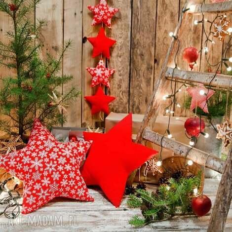 dekoracje idą święta komplet 2 poduszki gwiazdy i zawieszka z 6 gwiazdek