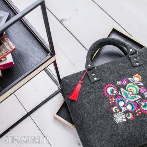na ramię torebka filcowa z podpisem 324, filcowa, folk, ludowa, haftowana
