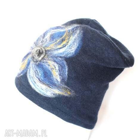 czapki czapka wełniana damska granat, wełna, kwiaty, damska, merynosy, etno, narty