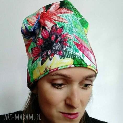 Katarzyna Staryk: czapka w kwiaty, wzór kwiatowy, bawełniana czapka nadruk, rysunek kwiatów