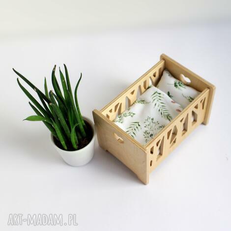 nowoczesne łóżeczko dla lalek wykonane ze sklejki - wzór las - mebelki