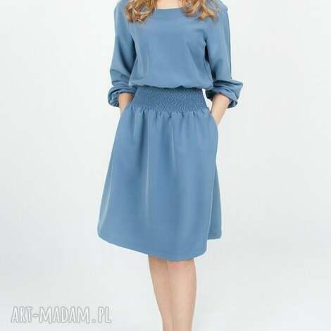 bien fashion niebieska rozkloszowana sukienka midi z kieszeniami xl
