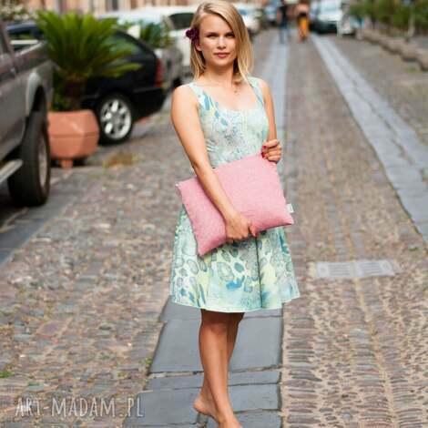 kopertówka pink fsioin, wiosna, wiosenna, pokrowiec, format a4, kobieca