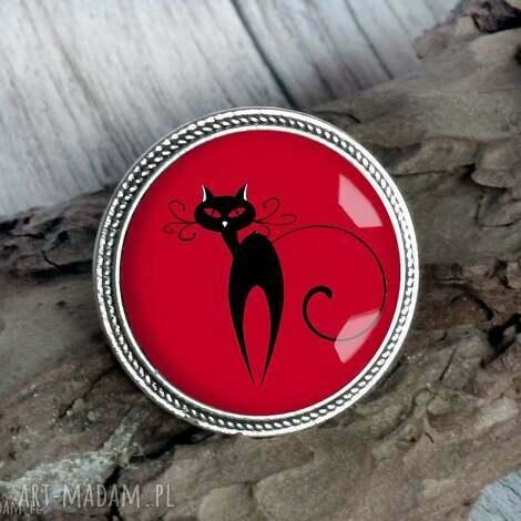 czarny kot - broszka z kotem - kocur, kociak, pupil, zwierzę, prezenty, czerwona