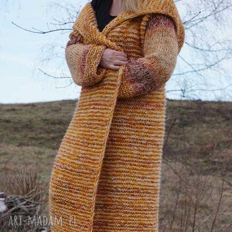 długi wełniany płaszcz jesienna alejka, sweter, jesień, kaptur