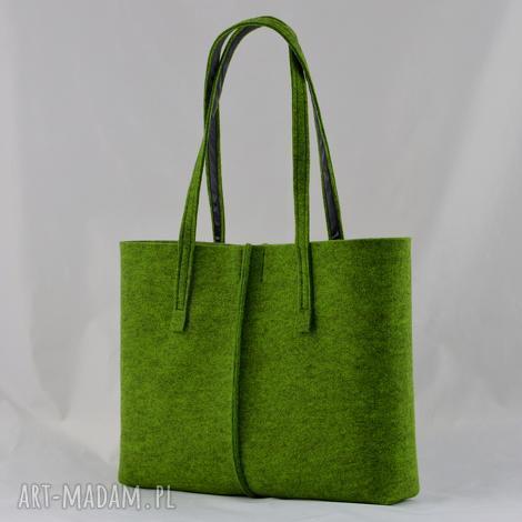 green sheep duża zielona torebka z filcu - minimalistyczna - niska, zieleń