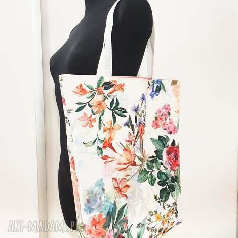 piękna shopperka torba ekologiczna w malowane kwiaty, na zakupy