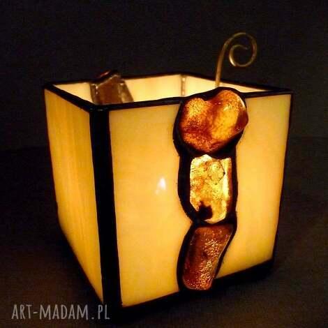 świeczniki prezent bursztynowy Świecznik-lampion hand made oświetlony busztyn tworzy