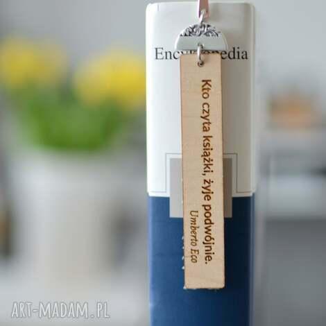 beezoo zakładka do książki z drewnem cytat umberto eco wzór 1