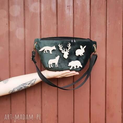 przypinka do nerki zwierzątka lasu - pin, przypinka, las, góry, drewno, lis