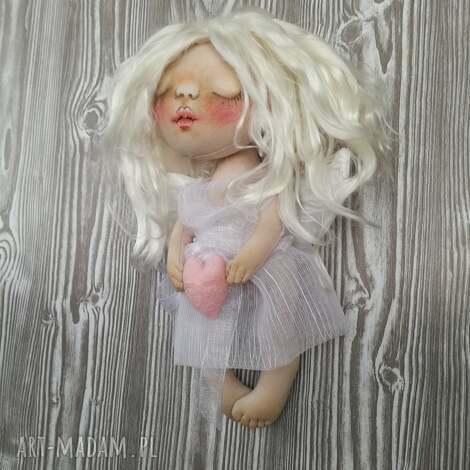 e piet aniołek dekoracja ścienna - figurka tekstylna ręcznie szyta i malowana, anioł