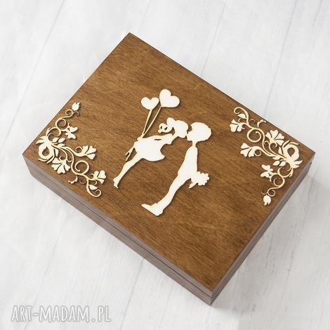 pudełko na obrączki zakochana para z ozdobnikiem, pudełko, obrączki, drewno