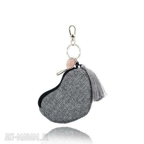 breloczek 096 szary melanż, brelok, breloczek, materiał, klucze, serce, gadżet