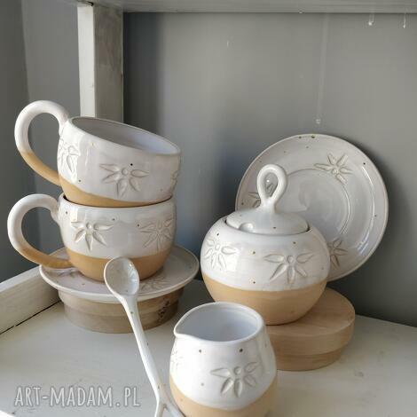 zastawa ceramiczna do kawy lub herbaty, ceramiczna, filiżanka