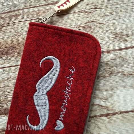 filcowe etui na telefon z wąsem , etui, filcowe, smartfon, haftowane, prezent