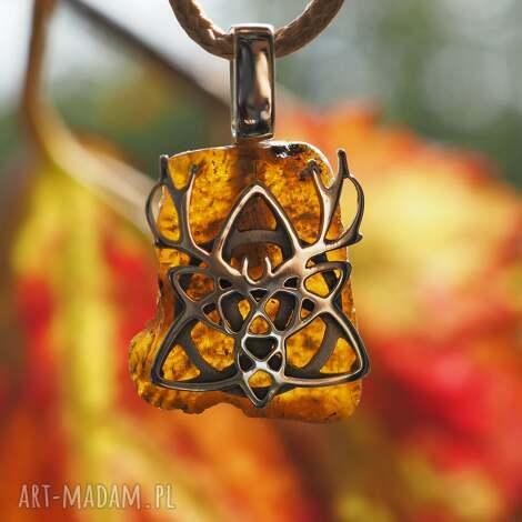 świąteczny prezent, celtycki wisior z bursztynem, srebro, bursztyn, wisior, jeleń