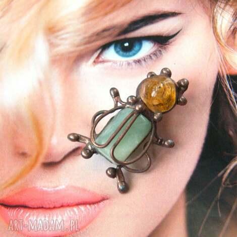 broszka owad żuczek z jadeitem i cytrynem, owad broszka żuczek, cytryn