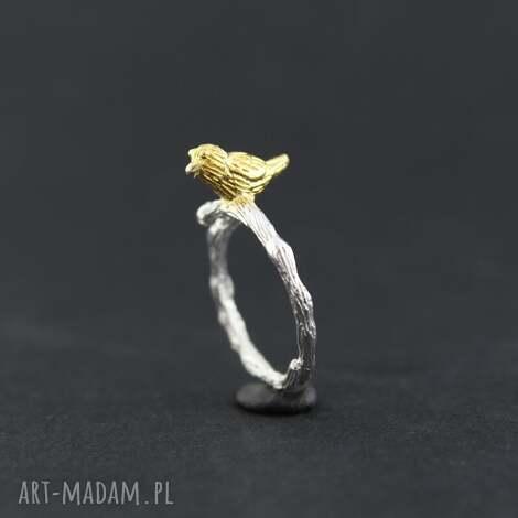 pierścionek ptak, gałązka, mały, lekki, natura, dwukolorowy biżuteria