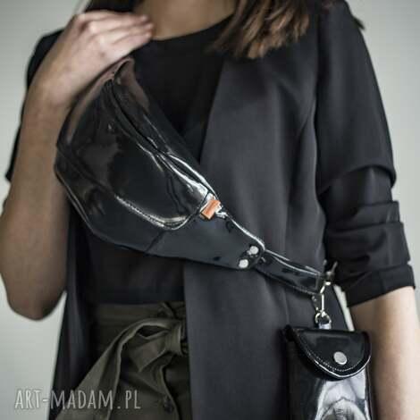 nerka medium black glam z saszetką, glamour, czarna nerka, klapką