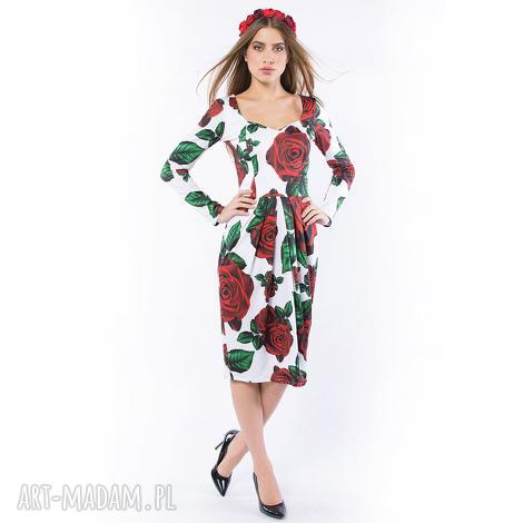 królowa róża - sukienka z dekoltem serce, dzianinowa, róże, dekolt