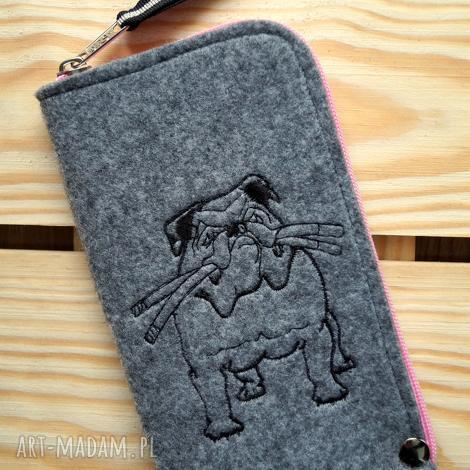 filcowe etui na telefon - buldog, smartfon, pokrowiec, futerał, pies, trójkąty