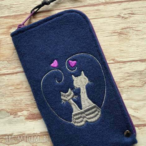 filcowe etui na telefon - zakochane koty, smartfon, pokrowiec, koraliki, paski, kot