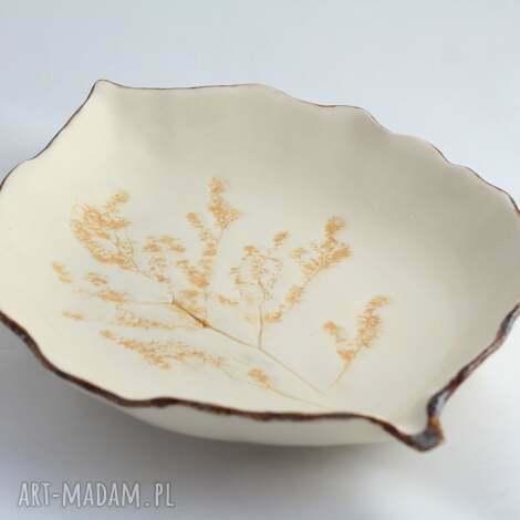półmisek z odbitymi ziołami miodowy, ceramika artystyczna, patera, talerz