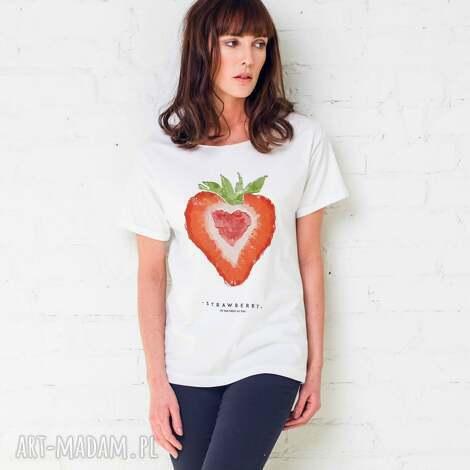 strawberry oversize t-shirt, oversize