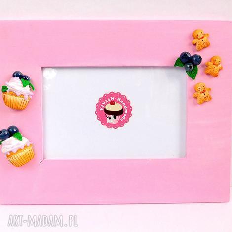 ramki różowa ramka z jagodami, babeczka, jagody, słodka ramka, babeczką