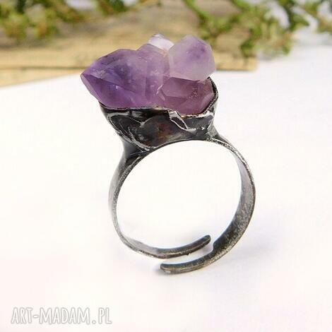 mniejsza bryłka - pierścionek z ametystem, ametyst, bryłka, surowy kamień