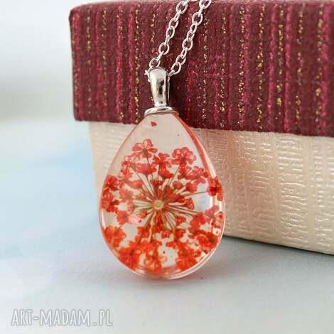 czerwony kwiat - naszyjnik - przezroczysty, owalny, kwiat, łańcuszek, elegancki