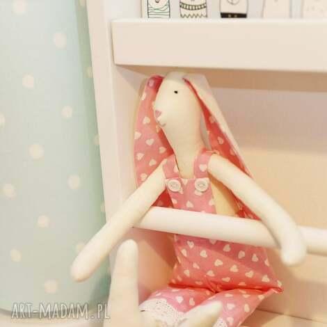 przytulanka królik karol różowy w serca - bawełna
