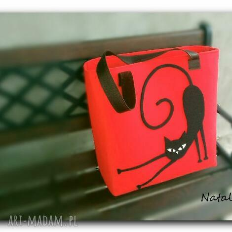 natali duża czerwona, minimalistyczna torebka z aplikacją 3d zapinana na suwak