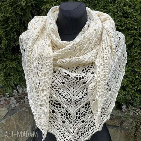 ręcznie wykonana chusta z bawełną kremowa, chusta, szal, szydełko, bawełna