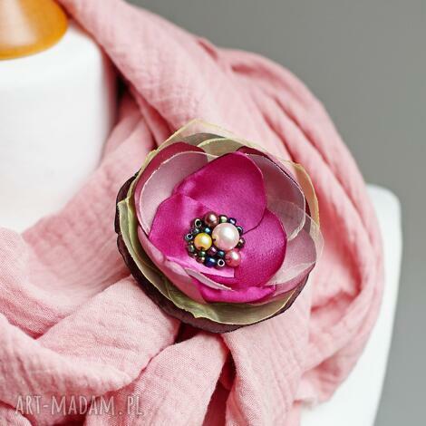 różowa broszka kwiat, przypinka kwiatek do sukienki, bluzki, upominek, dla niej