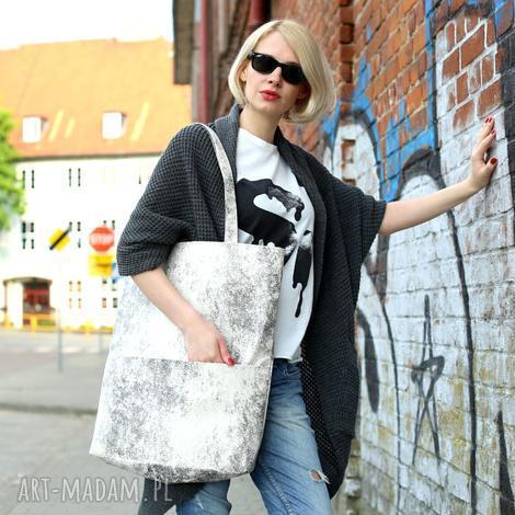 duża prostokątna torba na ramię z zamszu ekologicznego, jasna torba, biała