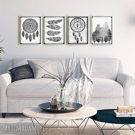 grafika zestaw 4 prac a3, plakat, łapacz, piórka, pióra, dom, pod choinkę