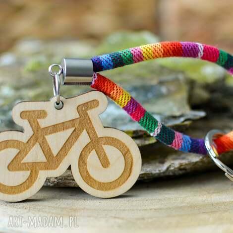 brelok do kluczy boho rower z drewna klon rainbow, kluczy