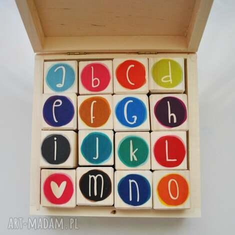 drewniane klocki literki kolorowe - klocki, alfabet, litery, nauka, drewno