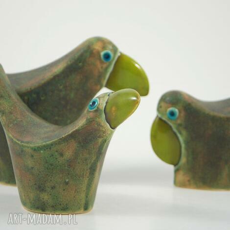 pod choinkę prezent, wróble w zieleni, zwierzęta, ptaki, figurki, ceramika