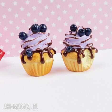 babeczki jagodowe - magnes na lodówkę, fimo, prezent, babeczki, jagody, fioletowy