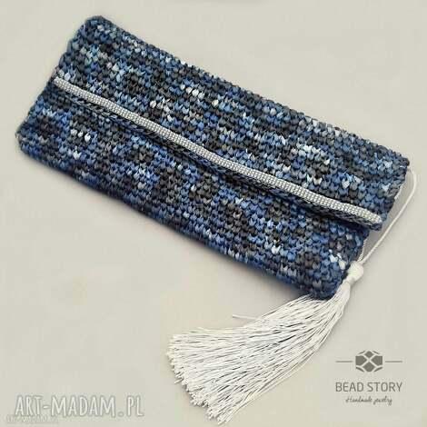 kopertówka z rafii w melanżu niebiesko szarym - torebka, fafia, chwost, koraliki