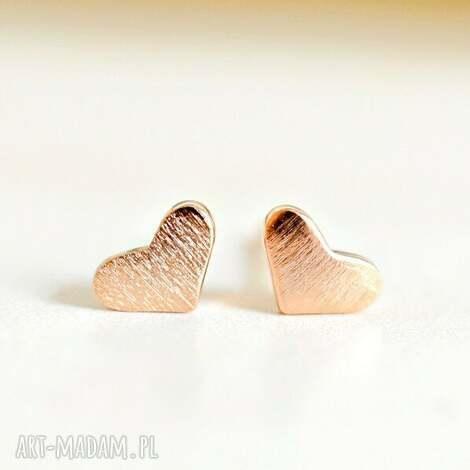 różowo pozłacane mini kolczyki serca, serce, prezent, miłość, wkrętki, mini
