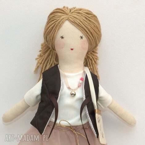 lisa lalka w pudrowym zestawie, lalka, szmaciana, prezent, zapakowana, tutu