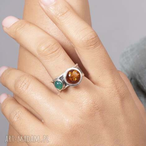 pierścionek modern z bursztynem i agatem, bursztynem, srebrny