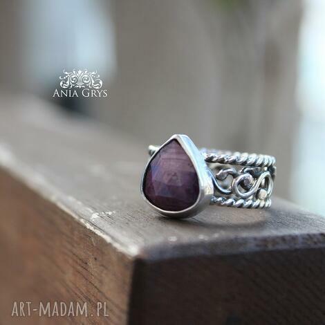 rubin z koronką - rubin, oksydowany, pierścionek, srebrny, gwiazdoo