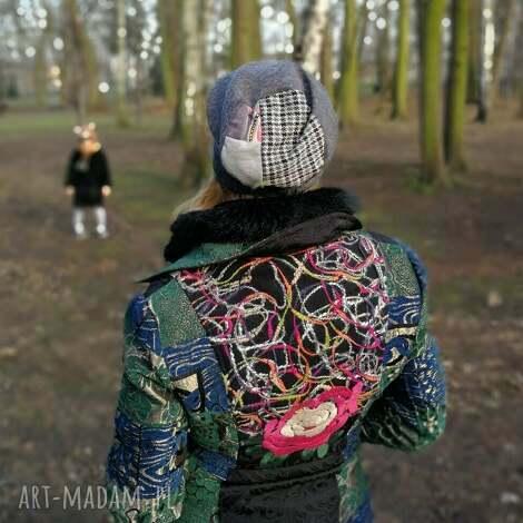 szara dzianinowa czapka damska patchwork - czapka, dzianina, smerfetka, dresowa, etno
